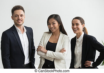 professionals, офис, тысячелетний, ищу, multi-ethnic, улыбается