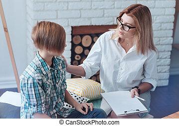 professioneel, psychotherapist, vragen, tiener, patiënt, over, zijn, zorgen