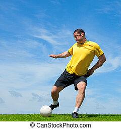 professionell, brasilianisch, fußballfootball, spieler, treten, a, kugel