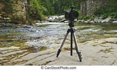 professionell, fotokamera, aufgestellt, auf, stativ,...