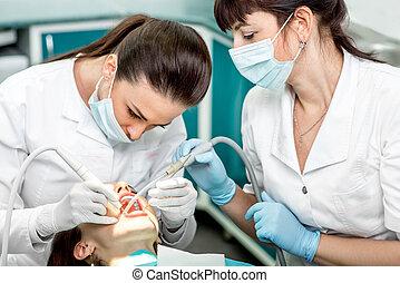 professionell, reinigende zähne