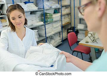 professionnel, employés, lessive, femmes
