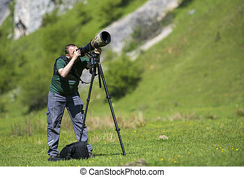 professionnel, voyage, emplacement, et, nature, videographer/photographer, (man), photographier, et, vidéo, nature, et, paysage, outdoor.