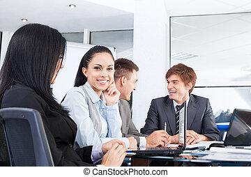 professionnels, discussion, réunion, s'asseoir bureau