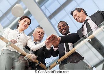 professionnels, joindre, leur, mains