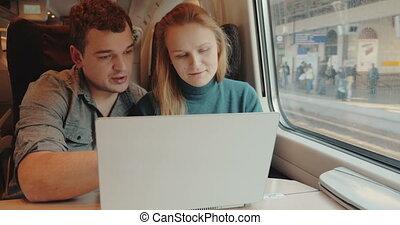 professionnels, ordinateur portable, train, utilisation, parler