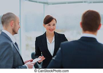 professionnels, réunion, dans, moderne, bureau.
