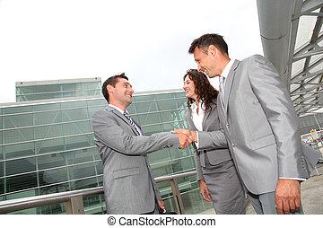 professionnels, serrer main