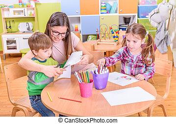 professor, com, pré-escolar, crianças