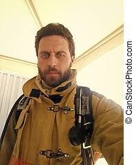 profi, man., tűzoltó, hím, férfiasság, duty., súlyos, job., guard., bevétel, firefighter., elbocsát, tűzoltó, egyenruha, férfiasan, measures., selfie., elolt, az enyém, biztonság, munka, robbantószerkezetek