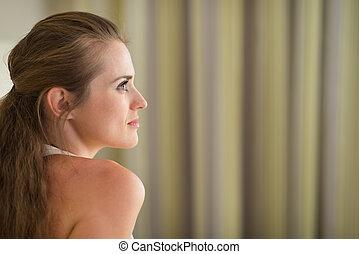 profil, kobieta, przestrzeń, młode przeglądnięcie, zamyślony, portret, kopia