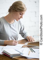 profil, tâche, copybook, exécuter, écrit, portait, girl