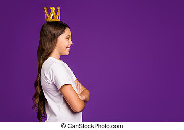 Profile side view portrait of her she nice attractive lovely cheerful cheery wavy-haired girl wearing tiara folded arms isolated on bright vivid shine vibrant purple violet lilac color background