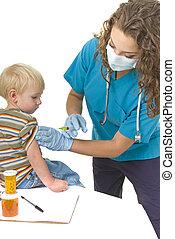 profissional cuidado saúde, dá, injeção, para, toddler