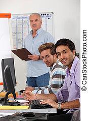 profissional, treinamento, jovem, homens negócios