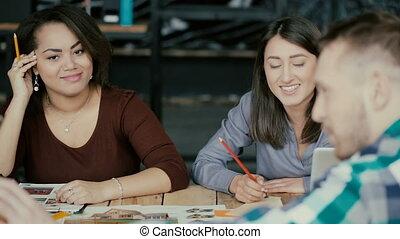 project., business, fonctionnement, bureau., compagnie, moderne, jeune, créatif, petit, course, architectural, équipe, mélangé, réunion