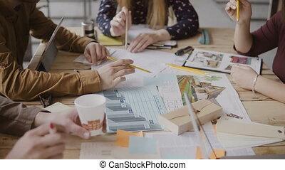 project., groupe, fonctionnement, séance, gens, jeune, discuter., créatif, course, architectural, équipe, mélangé, table