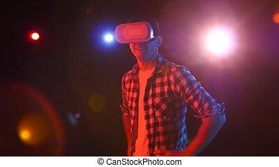 projecteurs, regarder, glasses., réalité, plaisir, virtuel, rouges, homme