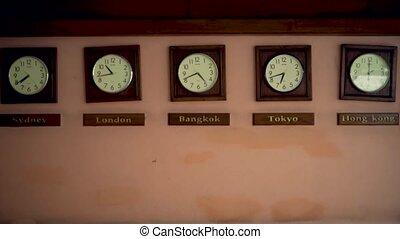 projection, clocks, temps, timezone, différent