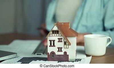 projet, créer, maison, logement, main, architecte, table, modèle, mâle, pencil.