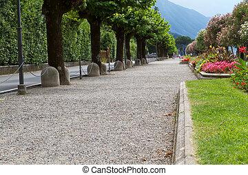 Promenade at the town of Belaggio, lake Como, Italy