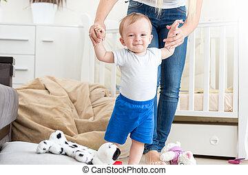 promenade, comment, apprentissage, mère, bébé, maison, adorable