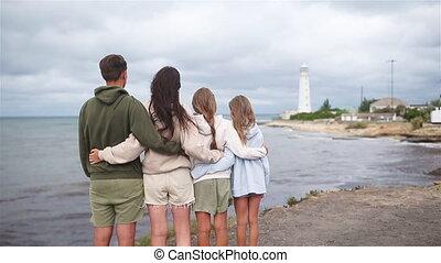 promenade, phare, famille, quatre