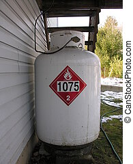 LIQUIDAFIED PROPANE GAS TANK