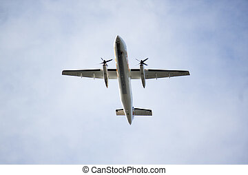 propller plane overhead on final approach