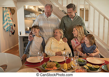 proposta, detenere, pasto, prima, cenando, insieme, tavola, famiglia