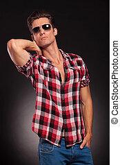 proposta, modello, maschio, occhiali da sole, bello