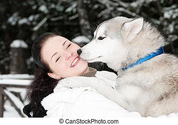 propriétaire, husky, heureux, chien, sibérien