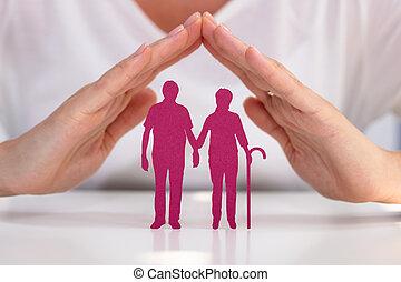 protéger, femme aînée, couple, coupure