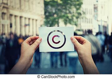 protection., propriedade, license., direitos autorais, direitos, patente, criação, marca registrada, símbolo., contra, crime, copyleft, sinal, papel, pirataria, intelectual, propriedade, mãos, internacional, ter, legal
