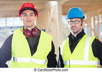 protetor, local, confiante, construção, carpinteiros, roupa