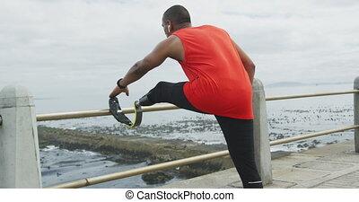 prothétique, homme, jambe, vue, arrière, étirage