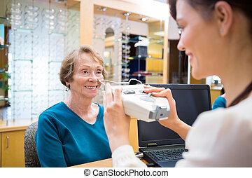 prova, ophthalmologist, occhio donna, prendere