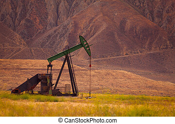Proven oil field at the foot of USA mountains
