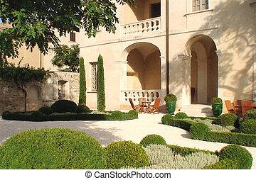 provence garden courtyard