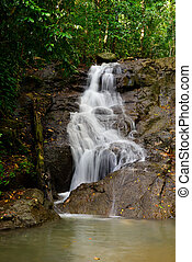 provincia de phuket, thailand., hermoso, kathu, cascada