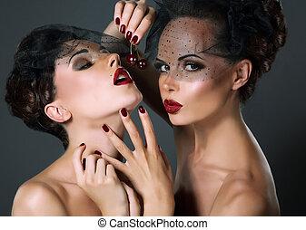 provocateur, tentation, cerise, deux, berries., dainty., voiles, femmes