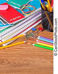 provviste, scuola, quaderni, pila