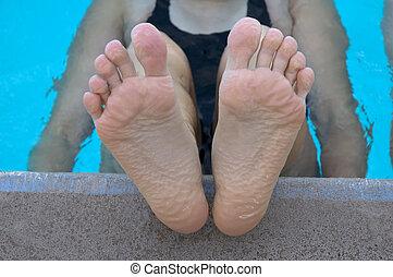 Pruned Feet