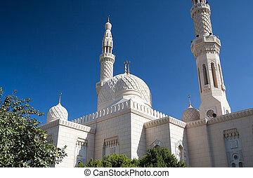 przedimek określony przed rzeczownikami, meczet