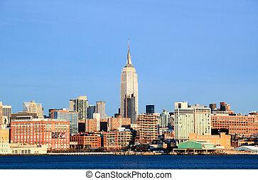 przedimek określony przed rzeczownikami, miasto nowego yorku, midtown, sylwetka na tle nieba