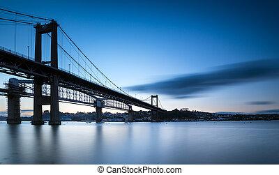 przedimek określony przed rzeczownikami, tamar, most