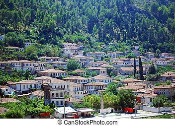 przedimek określony przed rzeczownikami, zabudowanie, od, przedimek określony przed rzeczownikami, starożytny, miasto, od, berat, w, albania