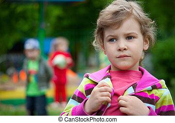 przedszkole, dziedziniec, dziewczyna, gry, dziedziniec