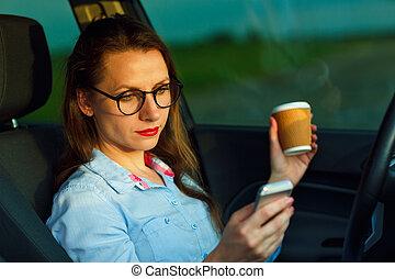 przesyłka, kawa, napędowy, tekst, znowu, kobieta interesu, wiadomość, picie, wóz