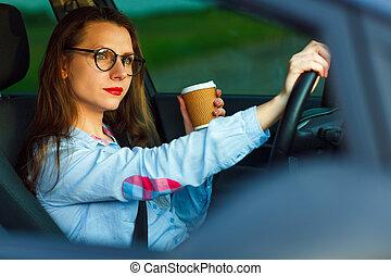 przesyłka, kawa, tekst, młody, znowu, kobieta interesu, wiadomość, picie